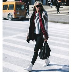Off Duty street style     www.liketk.it/ZzvW #offduty #NYFW #streetstyle #layered