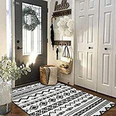 Black And White Living Room Decor, White Decor, White Rooms, Boho Chic Living Room, Tribal Decor, Boho Decor, Living Room Carpet, Living Rooms, Floor Rugs