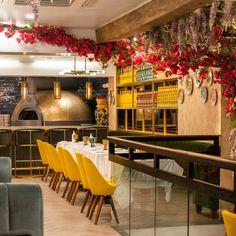 Michelin-starred Italian chef Antonio Salvatore makes his New York debut at this Amalfi Coast-inspired newcomer near Rockfeller Center.