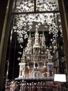 A Polish Christmas Palace in a Paris window . . . Elegance and excellence.
