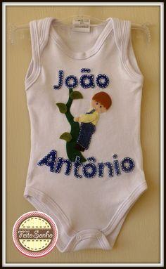Body personalizado João e o pé de feijão com o nome do bebê. Feito à mão.   bodybebemenino  joãoeopédefeijão bodybebecustomizado b5c1e789eb081