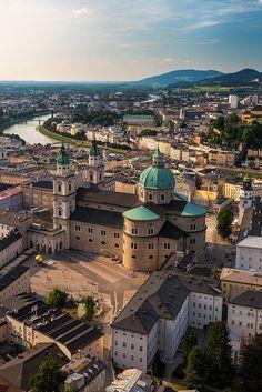 Blick von der Festung Hohensalzburg auf den Salzburger Dom #salzburg #hohensalzburg #vamosreisen