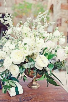 white florals, texas wedding via grey likes weddings