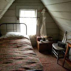 こちらは魔女の宅急便のキキを思い出すかわいらしいお部屋。 こじんまりとしているのに、決して狭く無く、きっと快適な事でしょう。