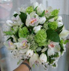 gömbcsokor fehér orchideával, fehér tulipánnal (21 szál) Floral Wreath, Wreaths, Home Decor, Decoration Home, Room Decor, Bouquet, Flower Band, Interior Decorating, Floral Arrangements