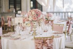 It seems like the understatement of the year to say that this wedding is gorgeous, but honestly... take one look at the amazing images captured bySMS Photographyand you won't be able to believe the beauty. Because this is a wedding