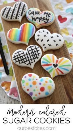 Easy Sugar Cookie Decor: These modern sugar cookie designs are so easy to create with food-safe markers! Click over for the full tutorial. via #OurBestBites #sugarcookies