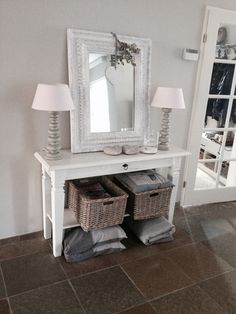 Sous-sol bas des marches.. idées ameublement Welcome To My House, Hallway Decorating, Home Reno, Other Rooms, Home Decor Inspiration, Decoration, Kitchen Decor, Sweet Home, Interior Design