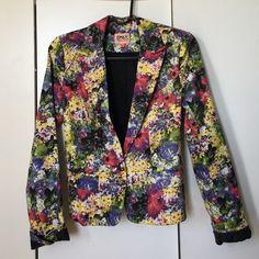 🔥SUPER SALE🔥 Summer blazer Weekend wardrobe blazer by Only. From ASOS. NWOT (slightly too big on me).  ♡ No trades ♡ Bundle items for a discount! ♡ Instagram: @bklyndani ♡ Twitter: @bklyn_dani ♡ Blog: bklyndani.wordpress.com ASOS Jackets & Coats Blazers