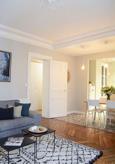 Un faux plafond démarque le séjour de la salle à manger Home Projects, Murs, Oversized Mirror, Salons, Laporte, Indoor, Check, Sweet Home, Ceiling