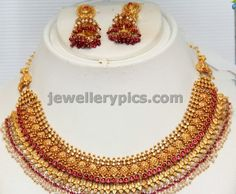 4 Antique gold necklace sets by GRT - Latest Jewellery Designs Jewelry Design Earrings, Necklace Designs, Gold Jewelry, Jewellery Designs, Necklace Set, Gold Necklace, Garnet Necklace, Jewelry Pouches, Latest Jewellery