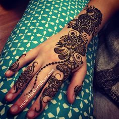Western Arabic floral by Victoria Welch #blurberrybuzz #henna #minneapolis