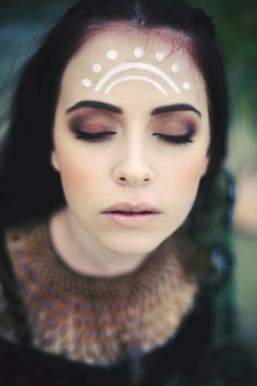 Pretty earthy makeup