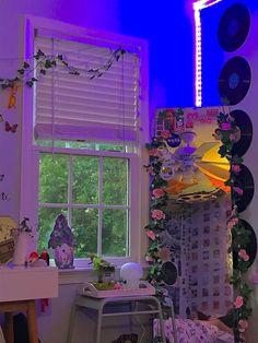 Indie Room Decor, Cute Bedroom Decor, Room Design Bedroom, Aesthetic Room Decor, Room Ideas Bedroom, Aesthetic Indie, Bedroom Inspo, Aesthetic Vintage, Chill Room