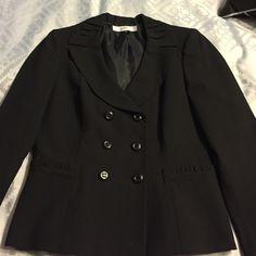 Tahari suit jacket Black Tahari suit jacket with pocket and collar detailing. Barely worn! Tahari Jackets & Coats Blazers