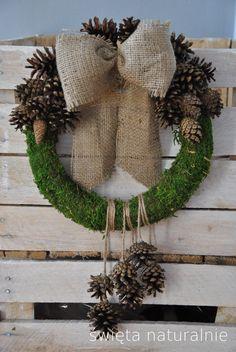 Wianek, wieniec szyszkowy 26cm - ViolaSororia - Ozdoby na ścianę Rustic Christmas, Christmas Wreaths, Homemade, Dom, Halloween, Holiday Decor, Fall, Etsy, Autumn