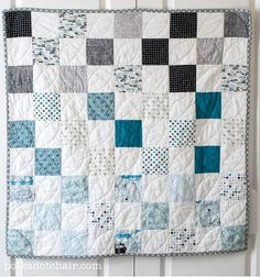 Grab some fat quarters and learn how to make a stunning and stylish baby quilt pattern that is shockingly easy to create. All you need to make this Ombre Baby Quilt Patternis a handful of fat quarters in varying shades of one color as well as white squares to create the patchwork design.