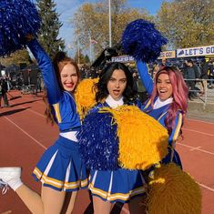 Camila Mendes, Madelaine Petsch and Vanessa Morgan - Who Is Gabi Butler? Cheerleading Highlights Part 1 Riverdale Funny, Riverdale Memes, Riverdale Cast, Riverdale Veronica, Riverdale Cheryl, Vanessa Morgan, Couples Halloween, Halloween Kostüm, Camila Mendes Riverdale