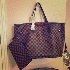 ALL AVAILABLE SHIP ASAP❣ New babies are here  only one of each  Don't miss it. Ask questions in comments have more pics if needed. Products are copies and not authentic. GOOD DEAL ON BUNDLES ❣Montaigne MM Titem $2️⃣4️⃣5️⃣ Neverfull GM with wristlet $3️⃣0️⃣0️⃣ Totem monogram zippy wallet $1️⃣7️⃣5️⃣ all genuine leather products. With dust bag Louis Vuitton Bags Totes