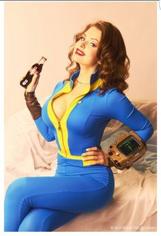 Vault Dweller (in pin-up style) from Fallout 4 Cosplayer: RGTcandy [VK Fallout Cosplay, Vault Dweller, Fallout Art, Fallout Meme, Fallout Posters, Pin Up Style, Best Cosplay, Looks Cool, Up Styles