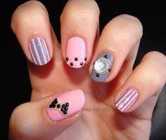 uñas grises con rosadas :)