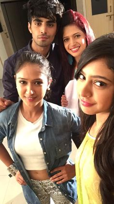 Niti Taylor♔ (@niti_taylor) on Twitter Cute Girl Poses, Girl Photo Poses, Girl Photos, Cute Celebrities, Celebs, Charlie Chauhan, Niti Taylor, Crush Pics, Bff Pictures