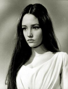 "Olivia Hussey portrays the character of Juliet Capulet in the 1968 movie verion of ""Romeo and Juliet"". Olivia Hussey, Zeffirelli Romeo And Juliet, Cry Like A Baby, Becoming An Actress, Beauty And Fashion, William Shakespeare, Classic Beauty, Beautiful Actresses, Old Hollywood"
