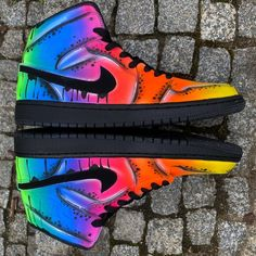 Jordan Shoes Girls, Jordans Girls, Girls Shoes, Neon Nike Shoes, Cute Nike Shoes, Nike Neon, Neon Nikes, Pride Shoes, Custom Jordans