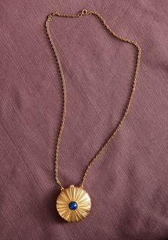 Gold Vintage Jewelry rococo-ladies-style...I have this necklace!!!