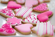 Colorful Cookie Decorating Without Food Dye Cake Cookies, Sugar Cookies, Cupcake Cakes, Cupcakes, Cake Betun, Bolacha Cookies, Ganache Frosting, Valentine Cookies, Valentines Sweets