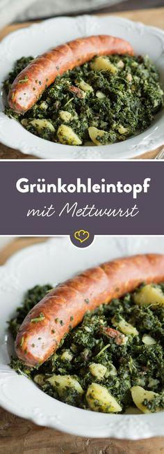 Deftiger Grünkohl mit herzhafter Mettwurst - ein Klassiker, der einfach immer schmeckt und so richtig wohlig satt macht. Hier geht's zum Rezept.