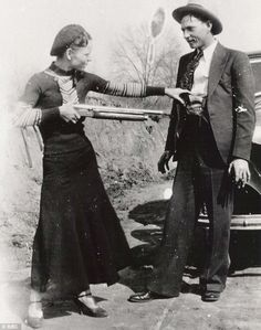 """This here's Miss Bonnie Parker. I'm Clyde Barrow. We rob banks."" ~Chasing Bonnie Clyde It was Texas Lawmen that brought them down! Bonnie Parker, Bonnie Clyde, Bonnie And Clyde Death, Bonnie And Clyde Tattoo, Rare Photos, Vintage Photographs, Old Pictures, Old Photos, Famous Pictures"