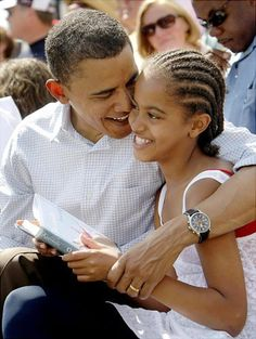 Back when Presidents and their children read books, Malia Obama was photographed clutching Outside Beauty by Cynthia Kadohata.
