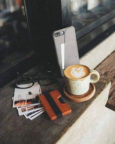Mujjo telefontokok széles választékban, a www.hlfshoes.com oldalon Bottle Opener, Skateboard, Lego, Skateboarding, Skate Board, Legos, Skateboards