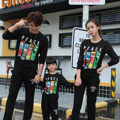 2017 Autumn New Family fitted black sweatshirts cartoon Dad Mom Kids long sleeve t-shirts Family Pack Fashion Photo, Kids Fashion, Couple With Baby, Matching Family Outfits, Family Shirts, Daughters, Cool Kids, Ulzzang, Jimin