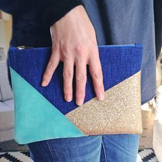 Very good tutorial, beautiful pictures . Diy Couture, Couture Sewing, Sewing Tutorials, Sewing Projects, Pochette Diy, Diy Clutch, Diy Bags Purses, Creation Couture, Fabric Bags