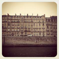 View from Ile Saint Louis, les quais de Seine, Paris