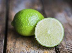 10 dicas úteis para usar o limão  http://revistacasaejardim.globo.com/Casa-e-Comida/Reportagens/noticia/2015/06/10-dicas-uteis-para-usar-o-limao-em-casa.html
