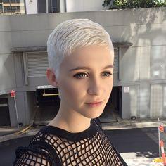 Pixie hair cut before I bleached @rosieeegreen - which one do you prefer? Swipe to see ➡️ #ilovehavingapixie
