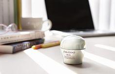 Das Multi Solution Gel schenkt der Haut von morgens bis abends eine vitale Ausstrahlung und macht sie wunderbar glatt – Tag für Tag. #IBUKI