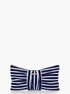 OBSESSED with this Kate Spade clutch.