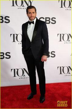 Celeb Diary: Jake Gyllenhaal @ 2013 Tony Awards