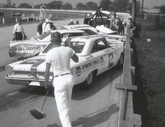 Don White , Zecol Lubid 1963 Galaxie @ Milwaukee , AJ Foyt , Bill Cheeseborg , Norm Nelson.