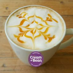 Happy Monday Morning! Start off the week with a delicious Cream N Bean coffee! #latte #coffeetime #monday #startyourweekwithcreamnbean