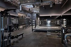 Shadowbox a boutique boxing studio in New York City pulls out all the design punches Dream Home Gym, Gym Room At Home, Best Home Gym, Home Gyms, Best Gym, Boxing Gym Design, Casa Bunker, Gym Interior, Dream Homes