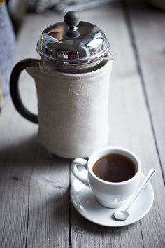Coffee Coats are stylish French press covers designed to keep your coffee (or Tea) warmer. Each cozy is double sided with the same fabric (so they're reversible) and filled with cotton batting to add