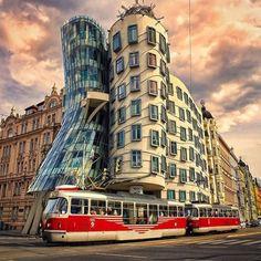 Dancing Building in Prague Czech Republic (Photography by Önder Koca… Prague Architecture, Famous Architecture, Prague Photography, Prague Travel, Prague Czech Republic, Beautiful Places, Beautiful Hotels, Amazing Places, Wonderful Places