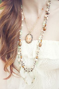 Gorgeous Cameo Necklace.