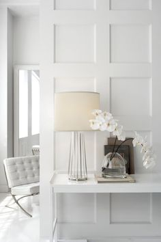 70 Farmhouse Wall Paneling Design Ideas For Living Room, Bathroom, Kitchen And Bedroom Style At Home, Decoration Entree, Kitchens And Bedrooms, Wainscoting, Elle Decor, Interior Inspiration, Interior Ideas, Room Interior, Stylish Interior