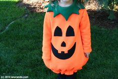 Cheryl from Sew Can Do shares a tutorial for making a fleece pumpkin Halloween costume. It's made like a tunic, with a rounded bottom and a pumpkin face appliqued on the front. Baby In Pumpkin, Cute Pumpkin, Pumpkin Crafts, Diy Pumpkin, Pumpkin Halloween Costume, Halloween Pumpkins, Diy Halloween, Halloween Customs, Halloween 2020